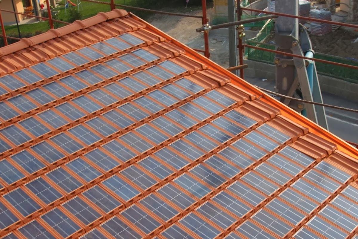 Dakpannen Met Zonnepanelen : Zonnepan: prijs voordelen & soorten energiesoorten.be